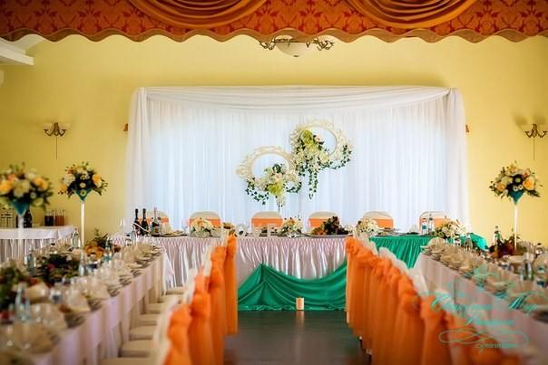 Оформление свадебного зала цветами – 13 дизайнерских идей5